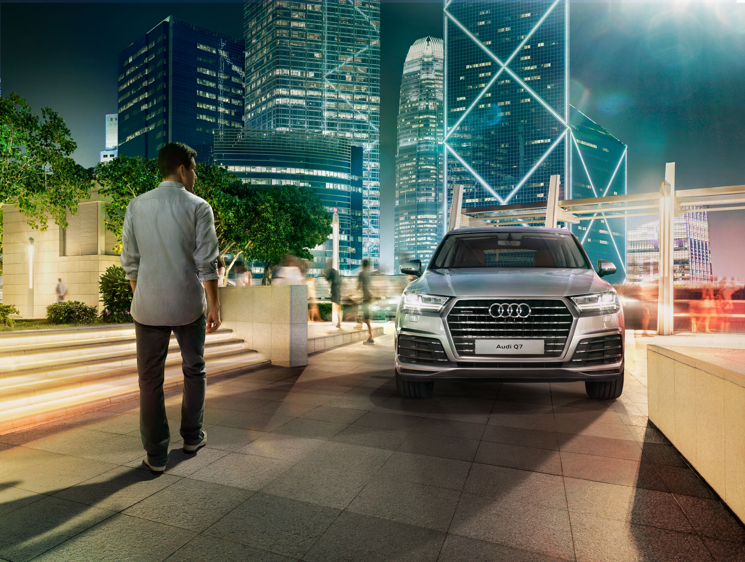 migs-foto-cgi-photographer-automotive-car-hong-kong-michael-lee-advtertising-commercial-photography-Audi-2016-HK Q7_IFC_Night_FINAL-2.5K