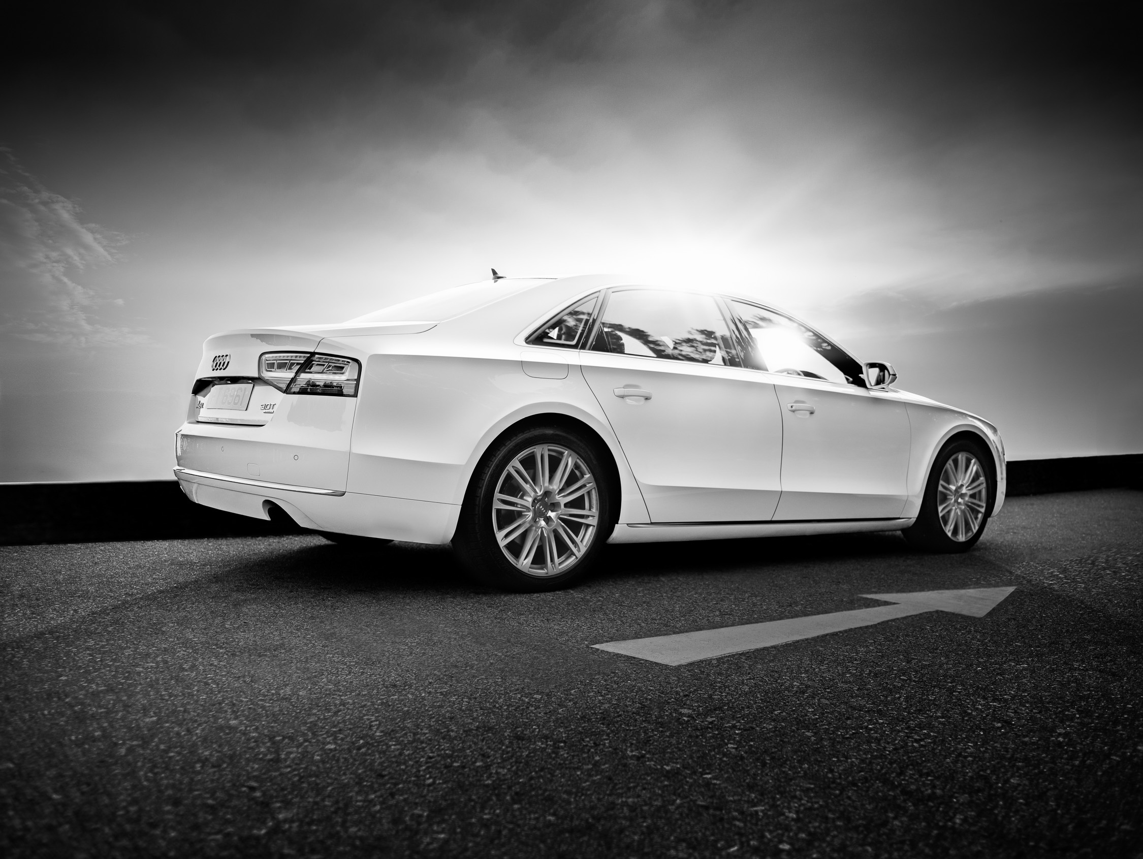 migs-foto-cgi-hong-kong-car-automotive-photography-photographer-Prestige-Audi-A8-2012-side-profile-sunset-2K