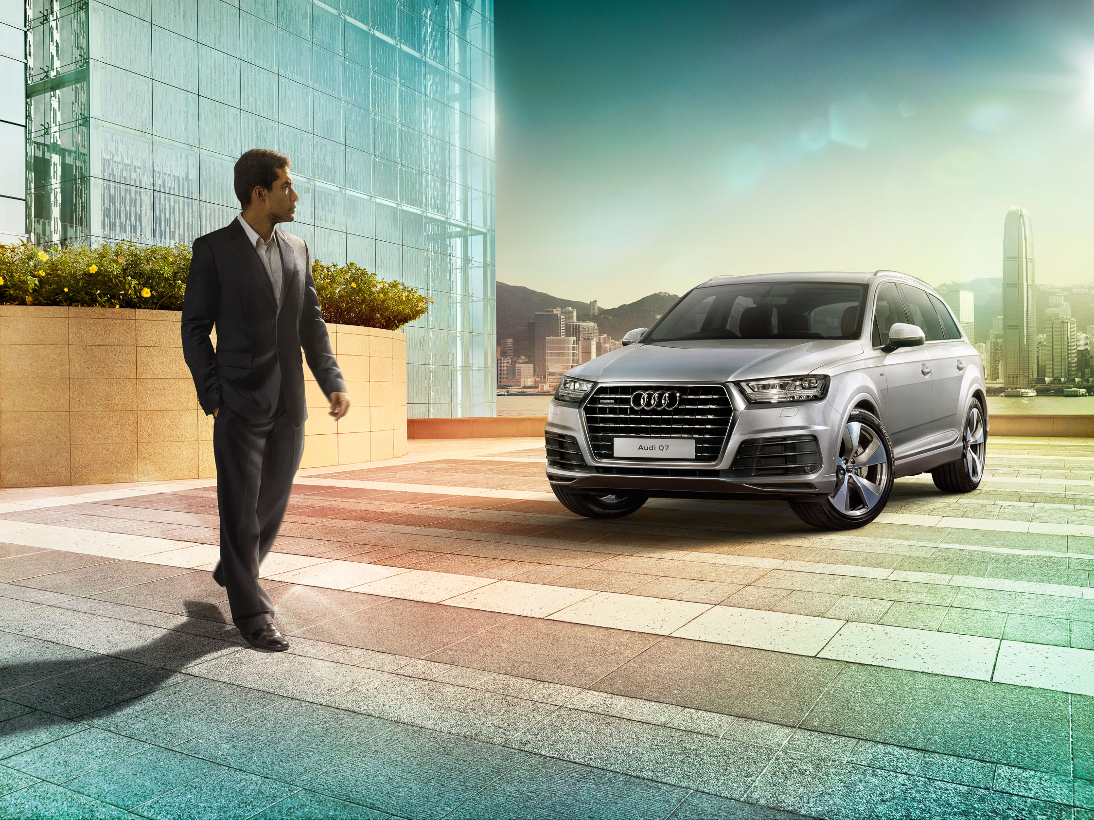 migs-foto-cgi-photographer-automotive-car-hong-kong-michael-lee-advtertising-commercial-photography-Audi-2016-HK Q7_ICC_FINAL-2.25K