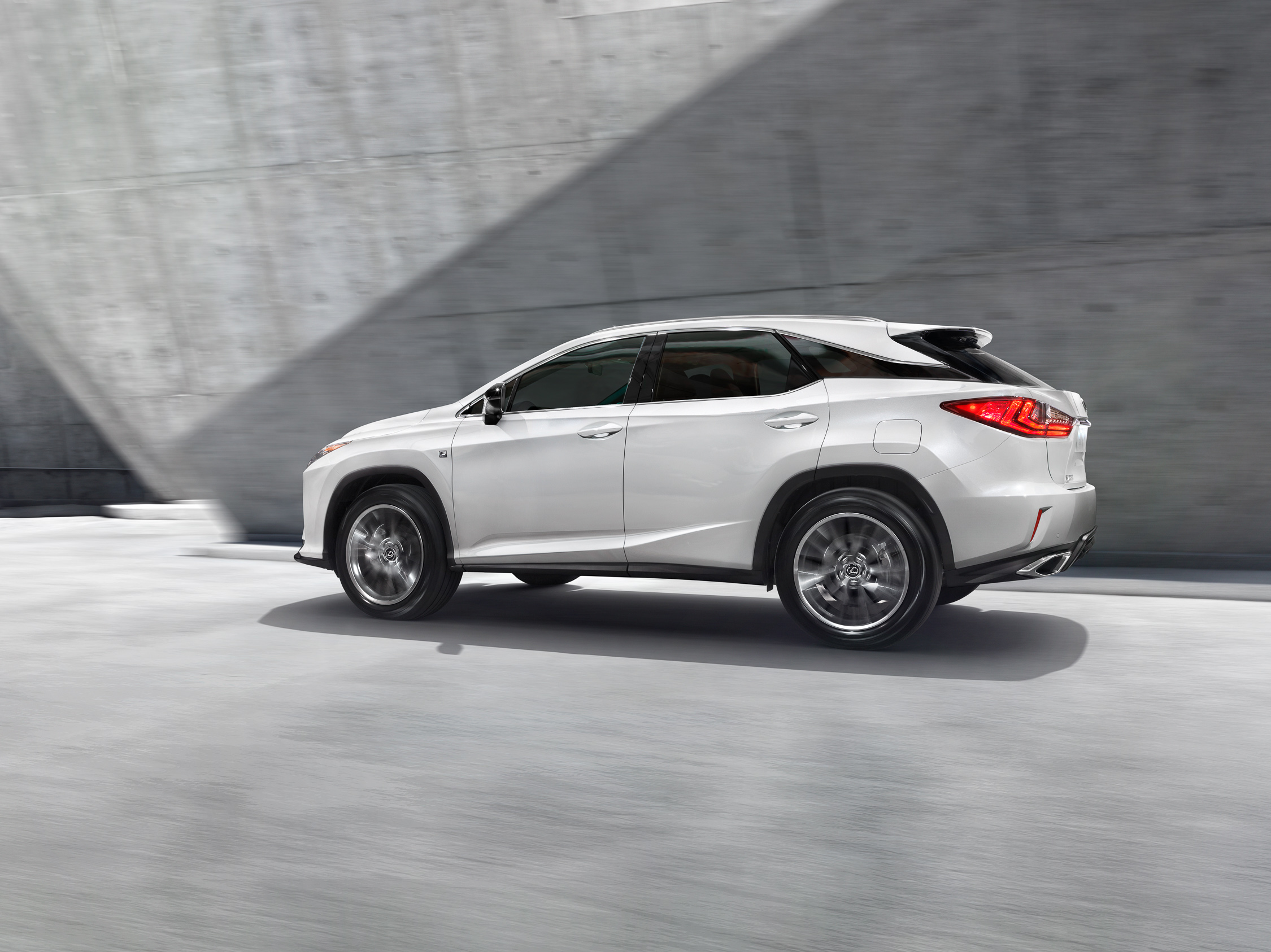 migs-foto-cgi-photographer-automotive-car-hong-kong-michael-lee-advtertising-commercial-photography-Lexus_RX_PolyU_White_Motion-Stacked_FINAL